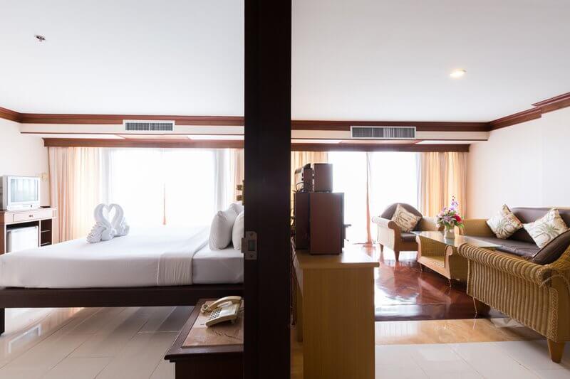 Royal Phala Cliff Beach Resort & Spa : Deluxe room